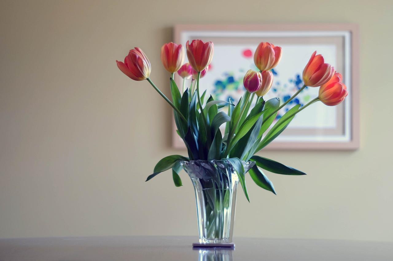 flower-vase-438461_1280